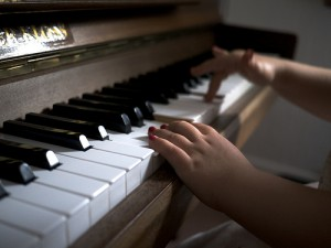 photo credit: Learning Piano via photopin (license)